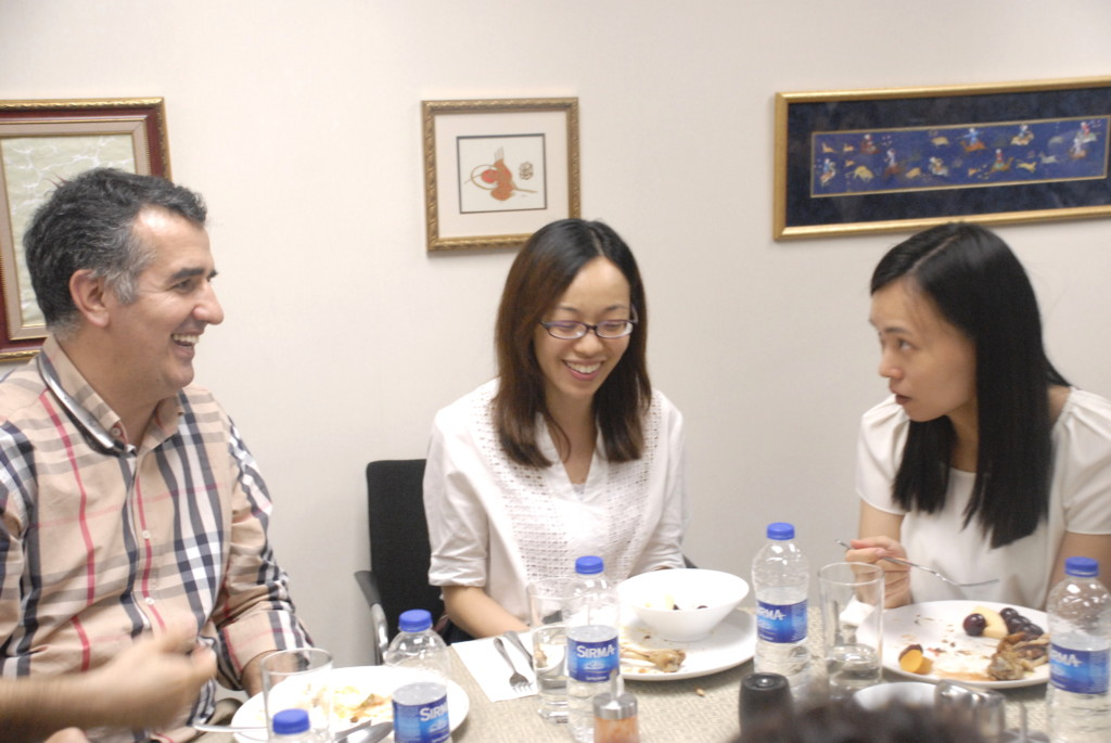 Fast-Breaking Dinner with Hong Kong Police Force